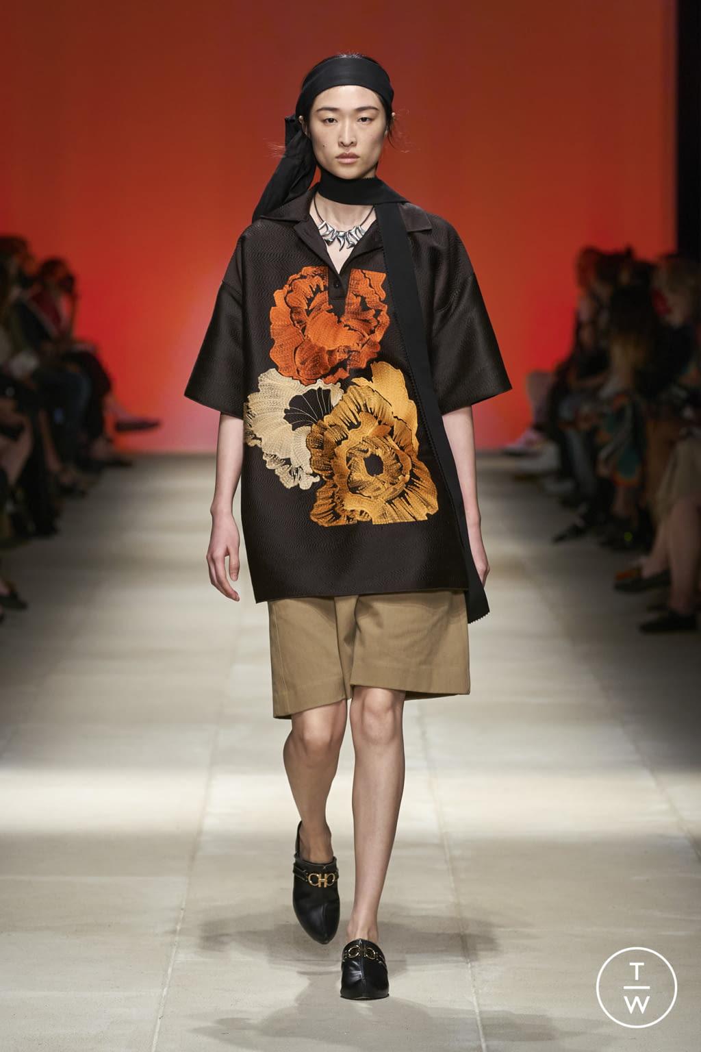 Fashion Week Milan Spring/Summer 2022 look 44 from the Salvatore Ferragamo collection womenswear