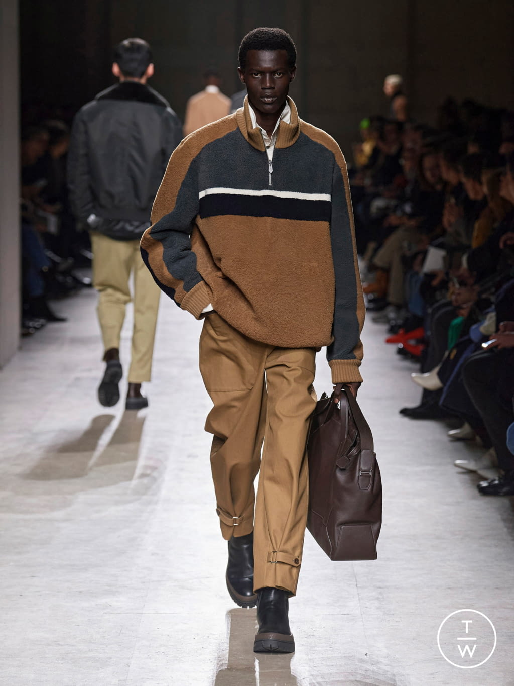 Fashion Week Paris Fall/Winter 2020 look 27 from the Hermès collection menswear