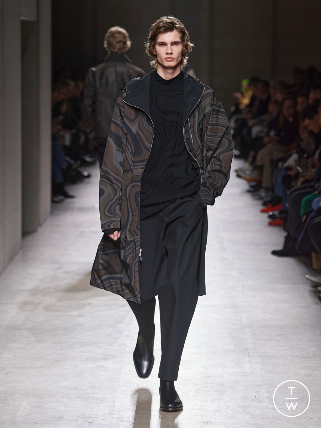 Fashion Week Paris Fall/Winter 2020 look 38 from the Hermès collection menswear