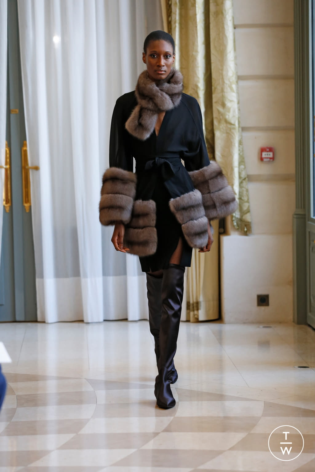 Fashion Week Paris Fall/Winter 2019 look 4 from the R331 collection couture