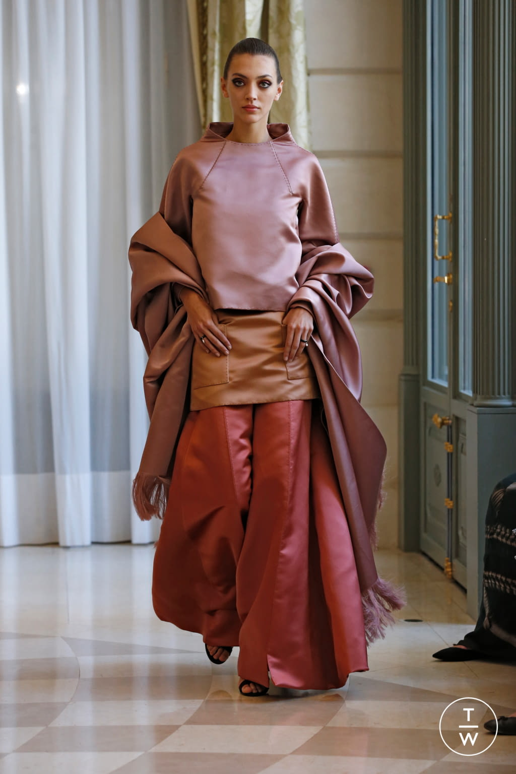 Fashion Week Paris Fall/Winter 2019 look 27 from the R331 collection couture