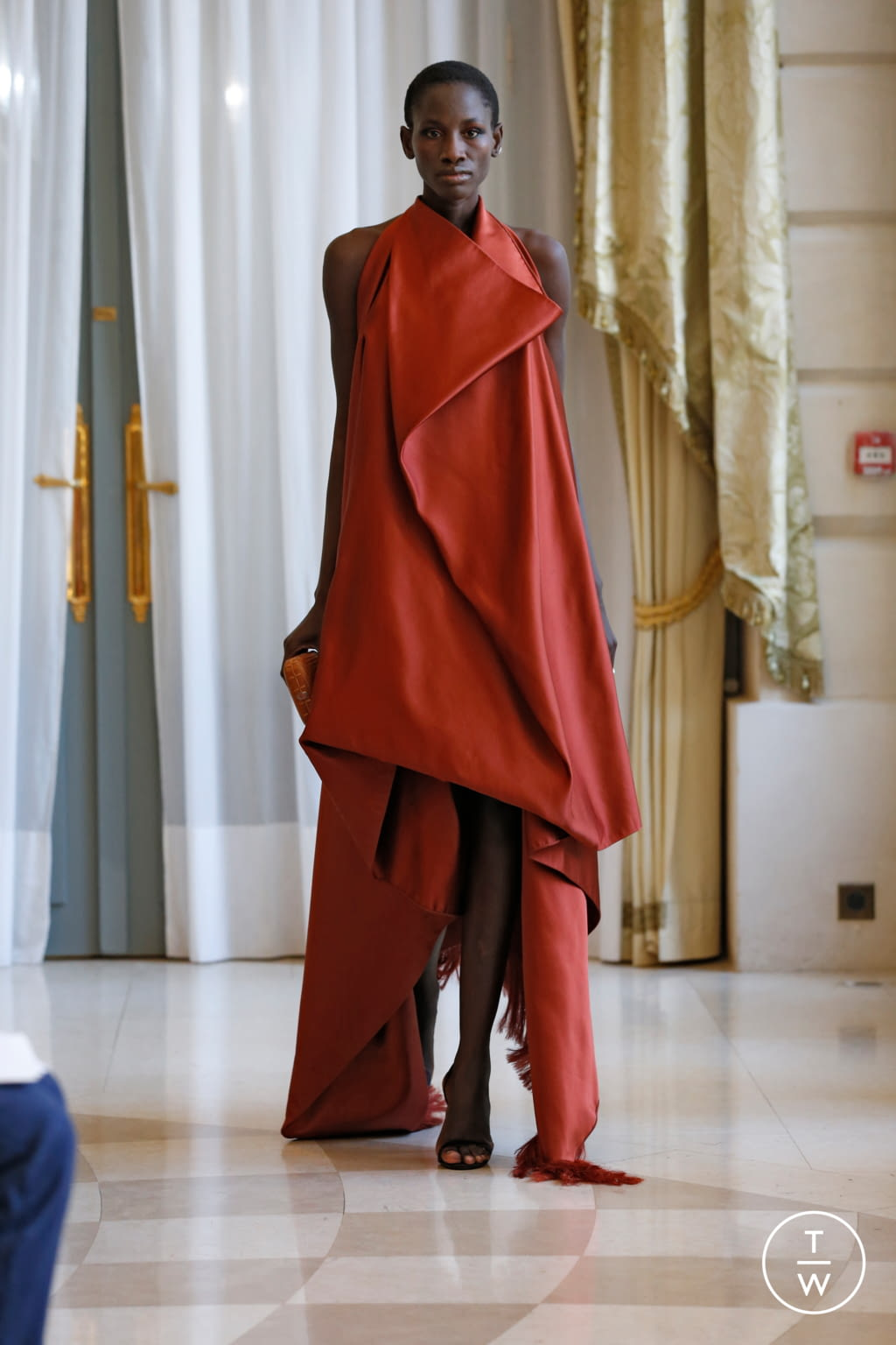 Fashion Week Paris Fall/Winter 2019 look 29 from the R331 collection couture