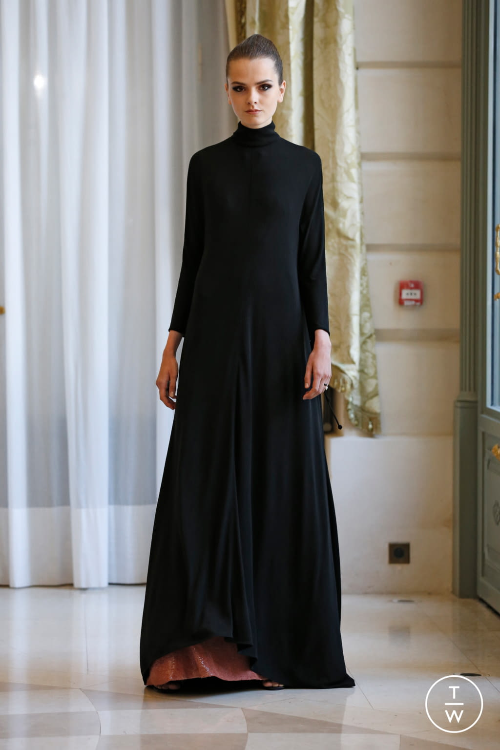 Fashion Week Paris Fall/Winter 2019 look 45 from the R331 collection couture