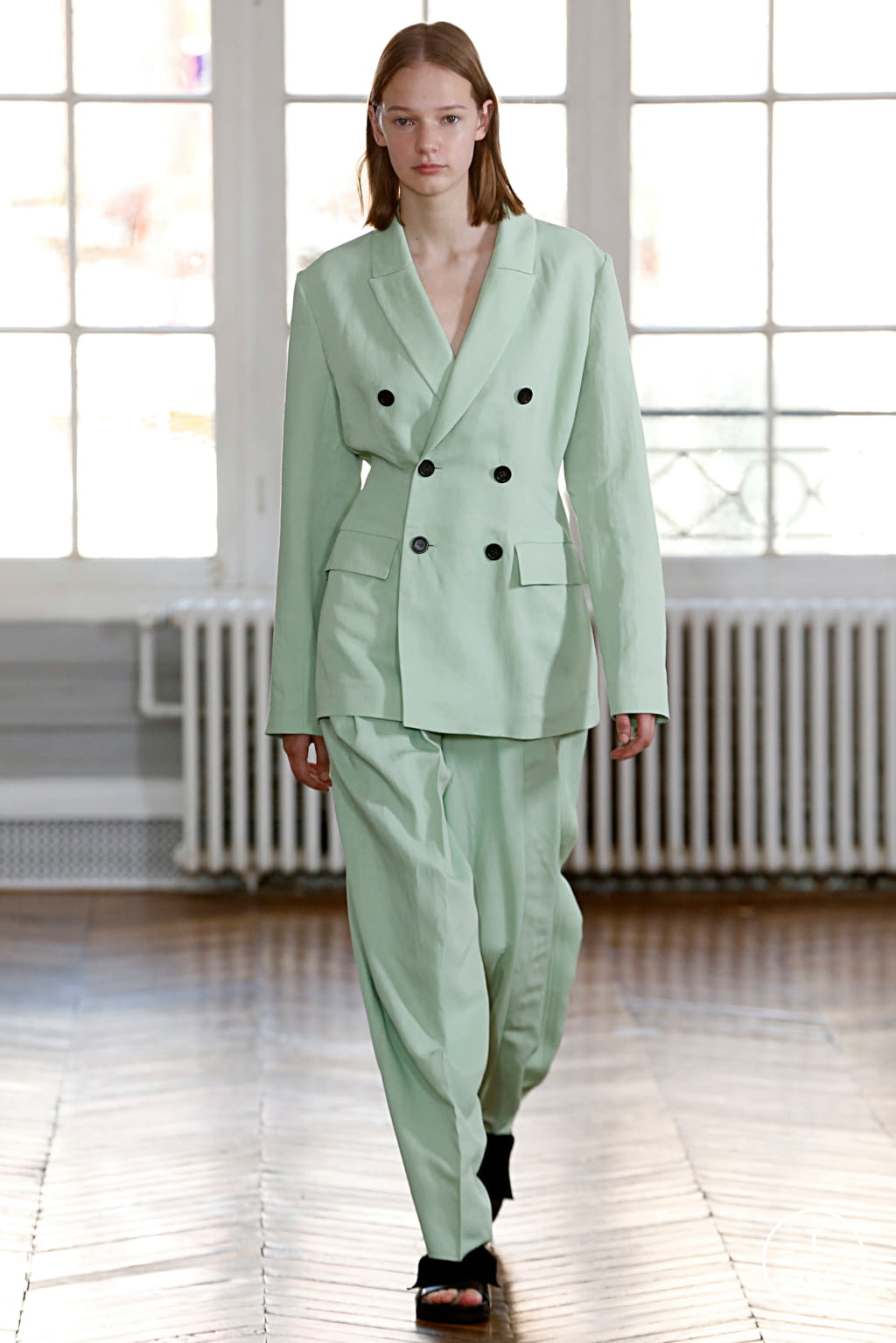 Fashion Week Paris Spring/Summer 2019 look 11 from the GAUCHERE collection 女装