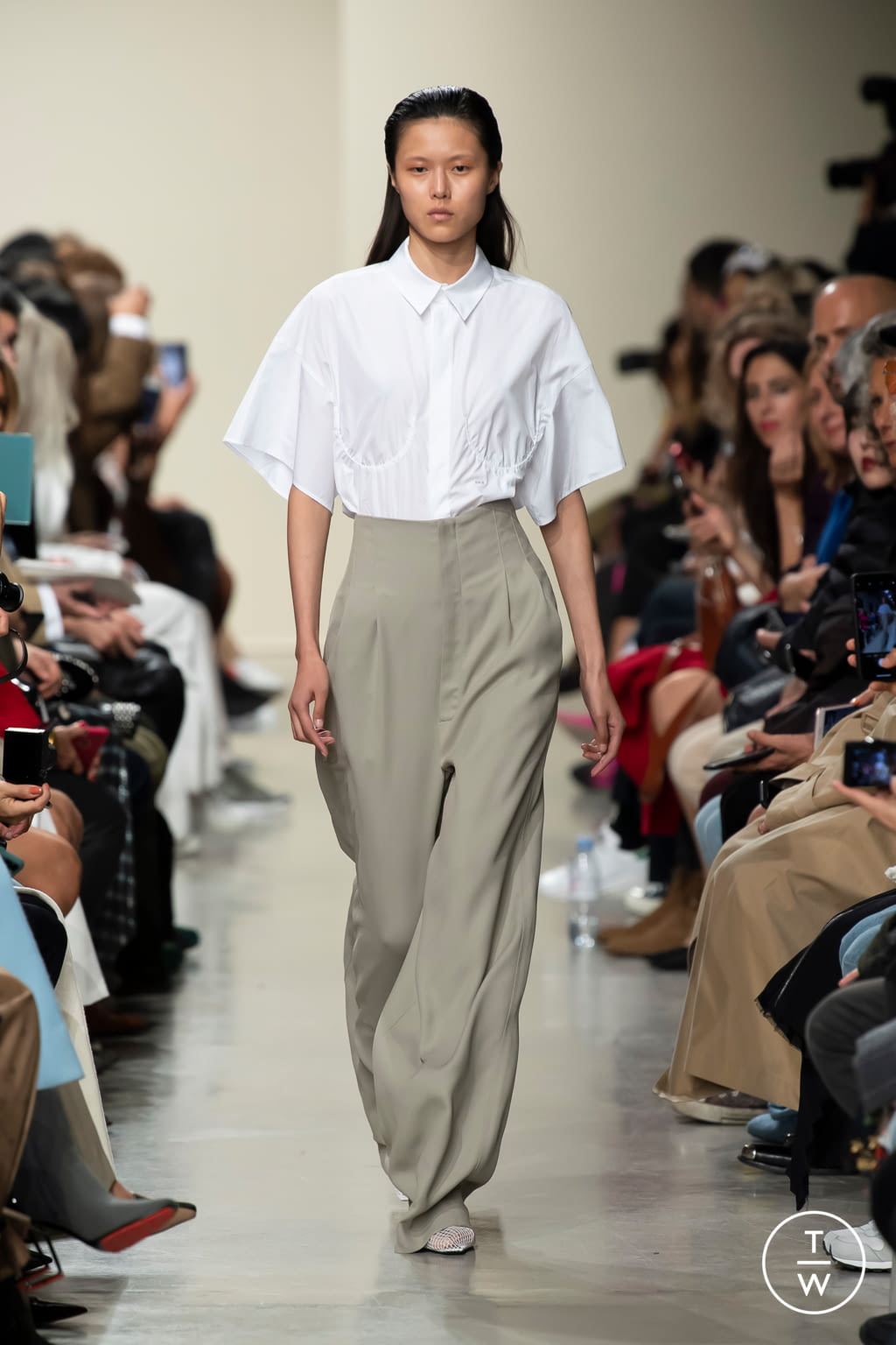 Fashion Week Paris Spring/Summer 2020 look 11 from the GAUCHERE collection womenswear