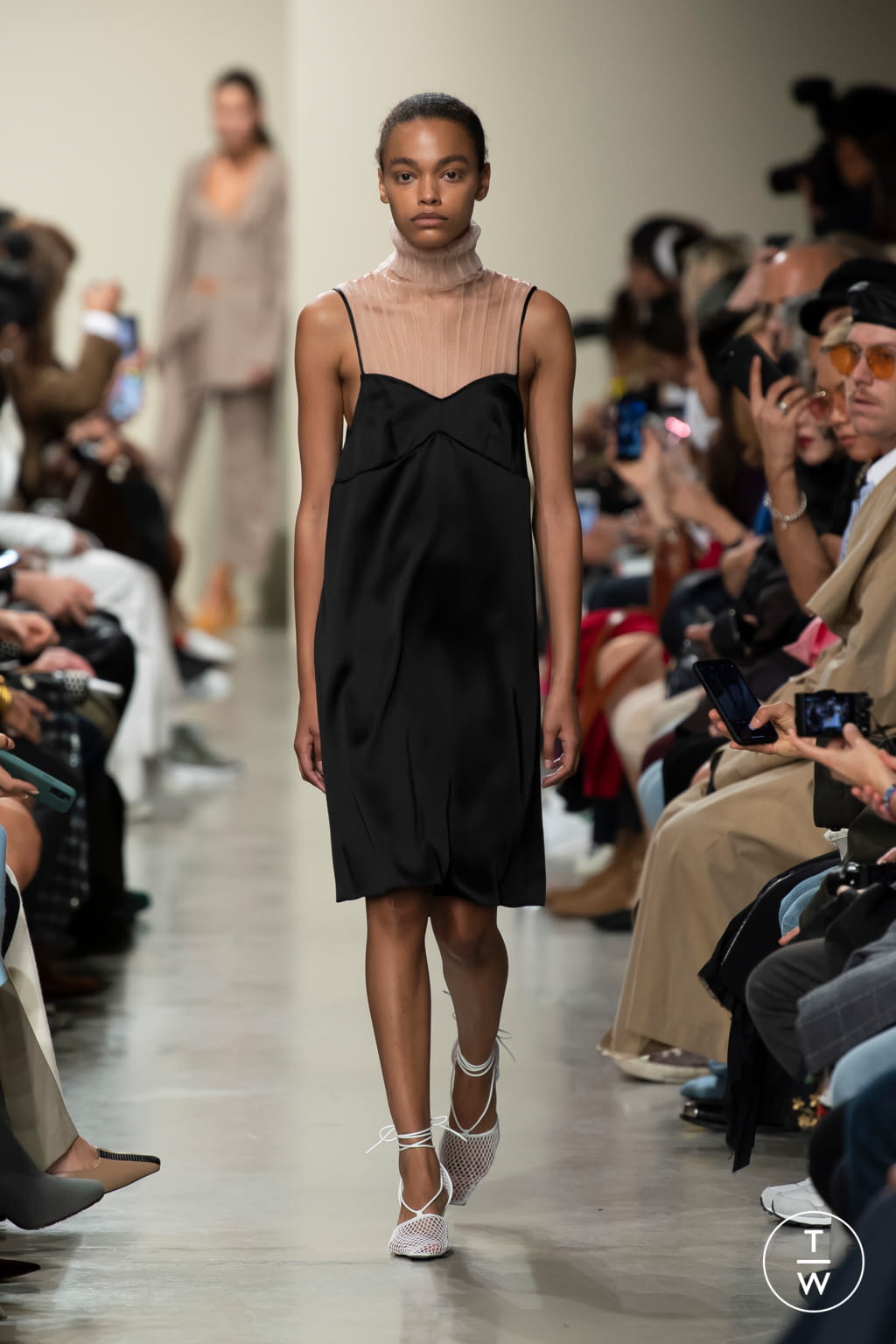Fashion Week Paris Spring/Summer 2020 look 9 from the GAUCHERE collection womenswear