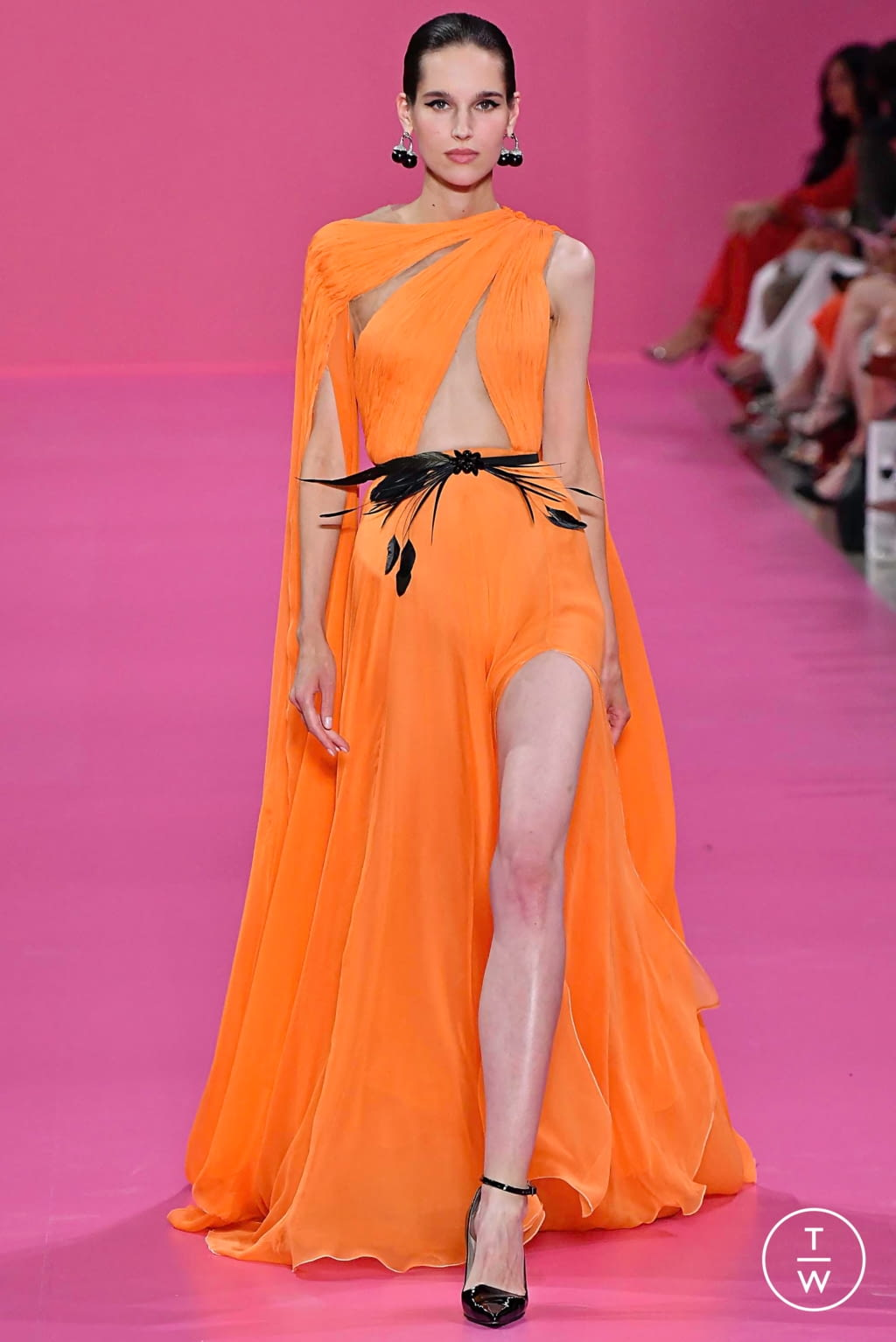 Fashion Week Paris Fall/Winter 2019 look 14 from the Georges Hobeika collection couture