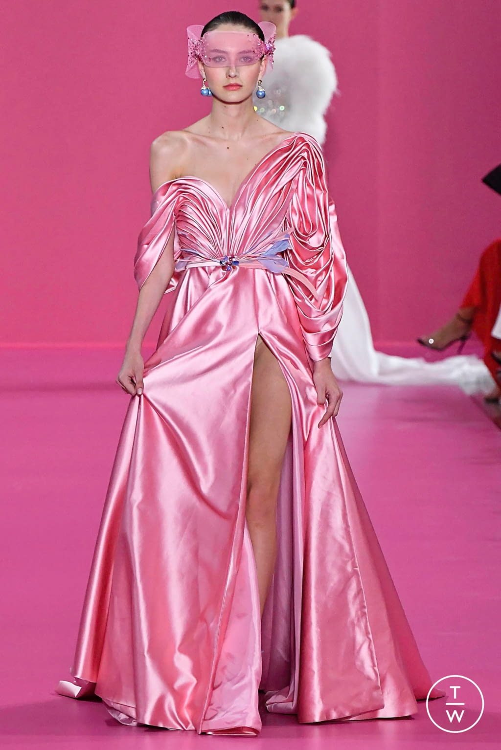 Fashion Week Paris Fall/Winter 2019 look 34 de la collection Georges Hobeika couture