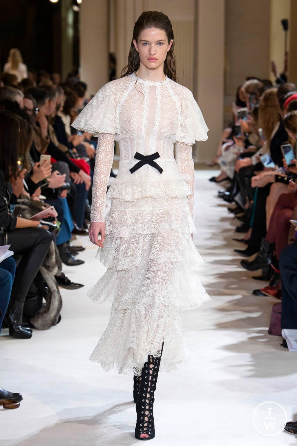 Fashion Week Paris Fall/Winter 2017 look 8 from the Giambattista Valli collection womenswear