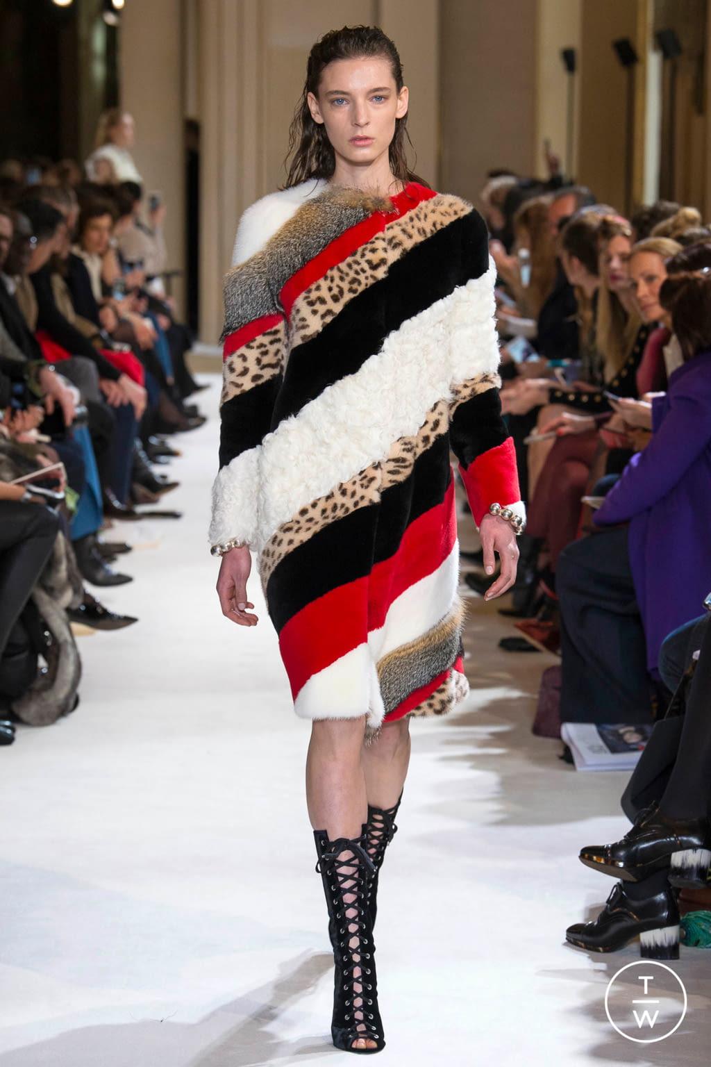 Fashion Week Paris Fall/Winter 2017 look 13 from the Giambattista Valli collection womenswear