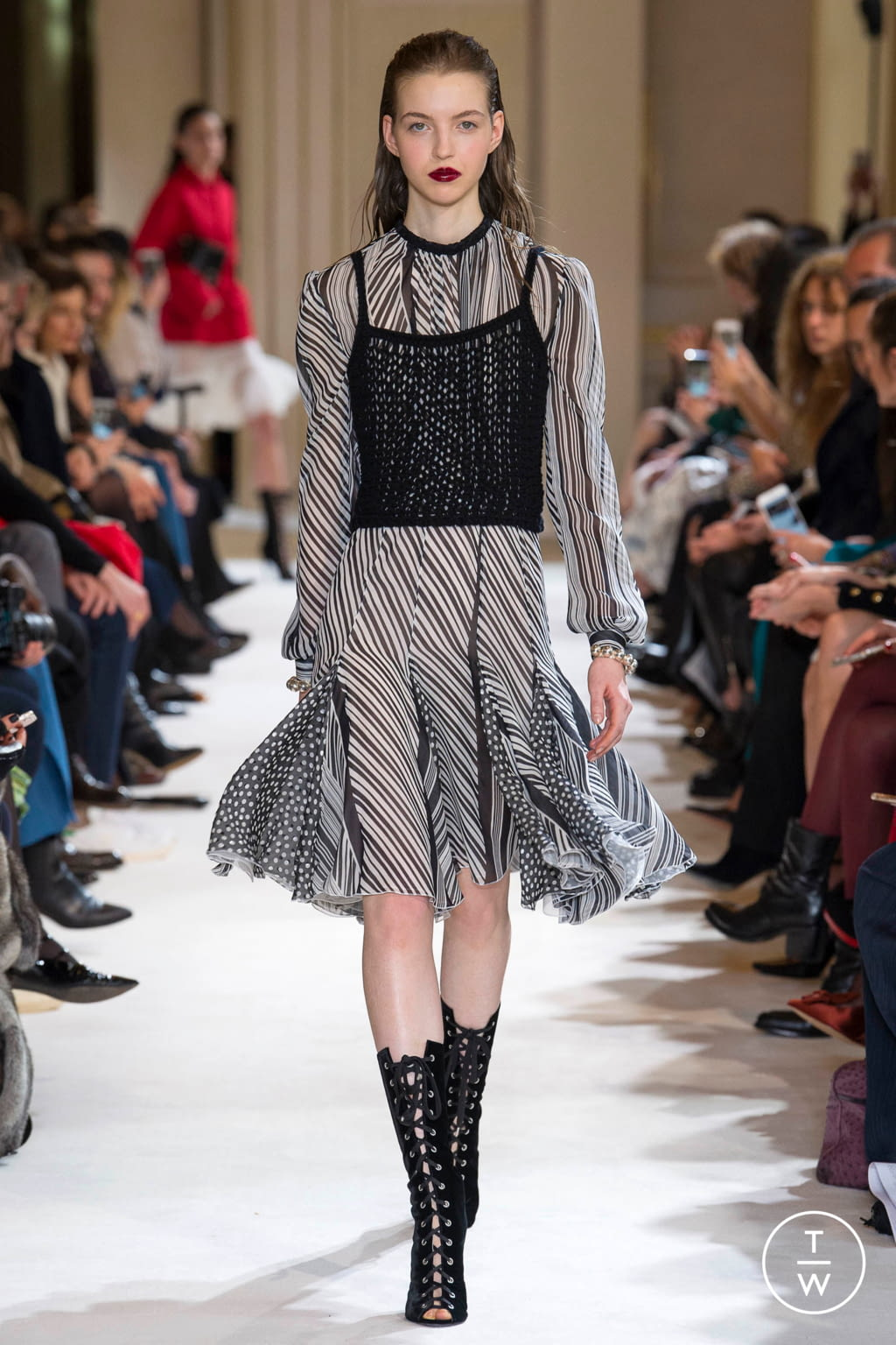 Fashion Week Paris Fall/Winter 2017 look 16 from the Giambattista Valli collection womenswear
