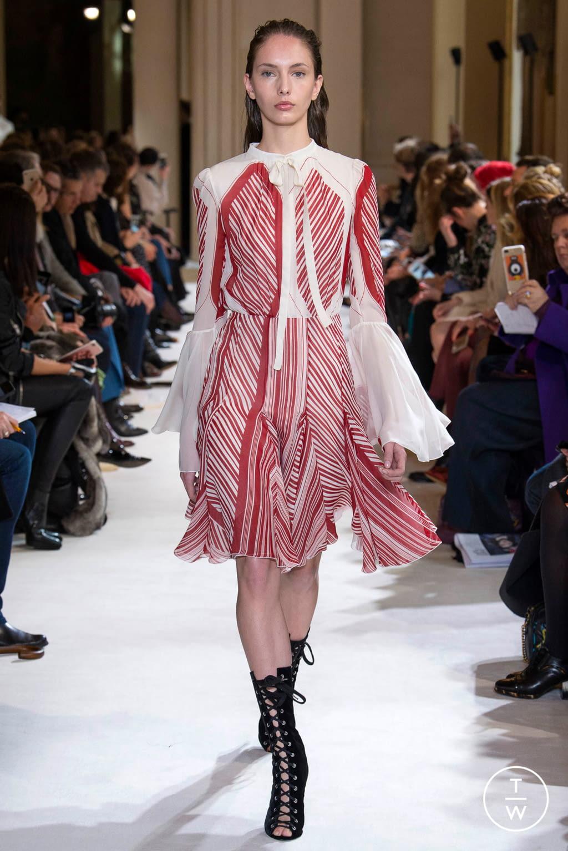 Fashion Week Paris Fall/Winter 2017 look 18 from the Giambattista Valli collection womenswear