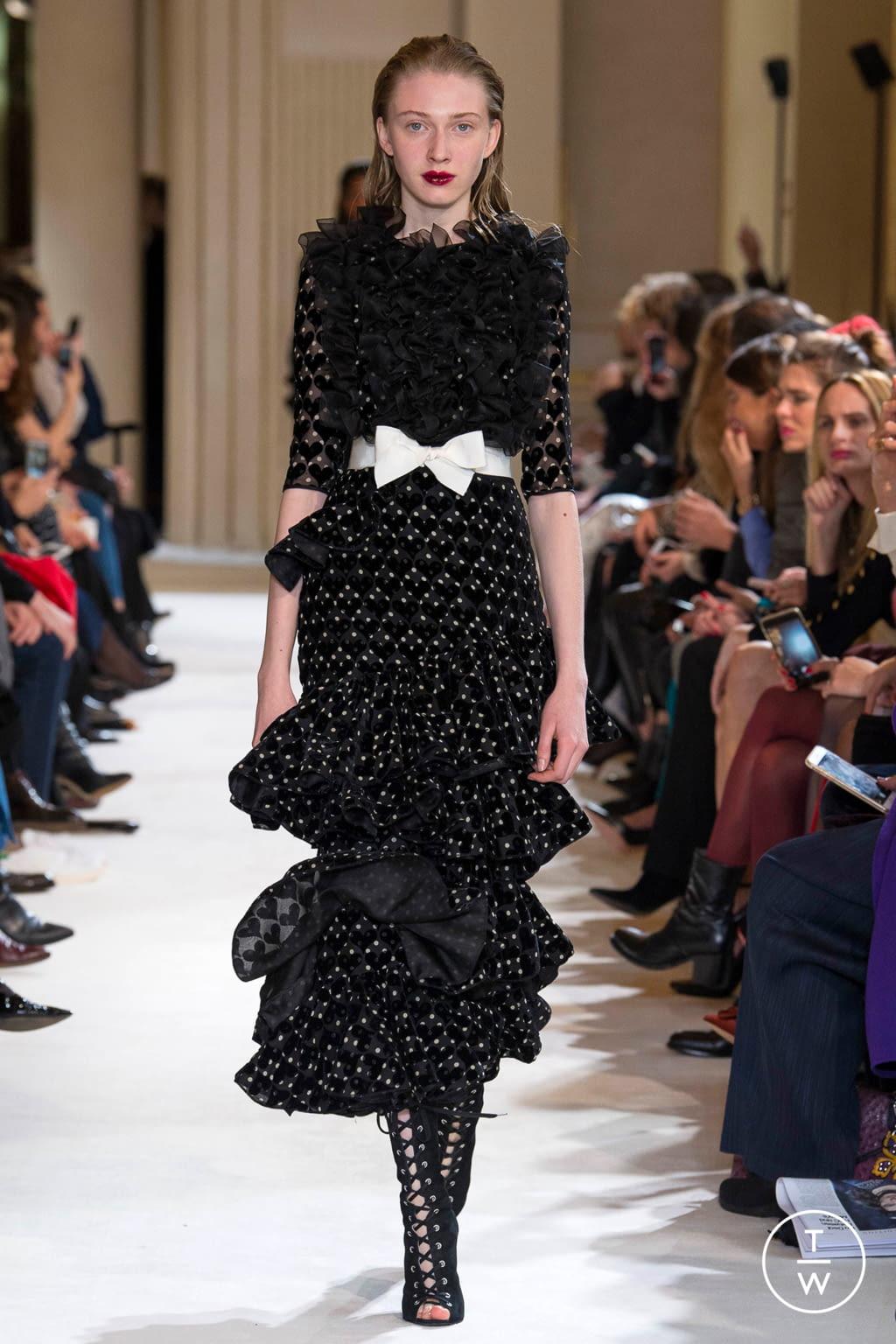 Fashion Week Paris Fall/Winter 2017 look 28 from the Giambattista Valli collection womenswear