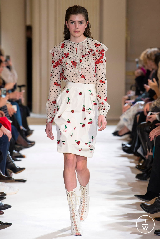 Fashion Week Paris Fall/Winter 2017 look 33 from the Giambattista Valli collection womenswear