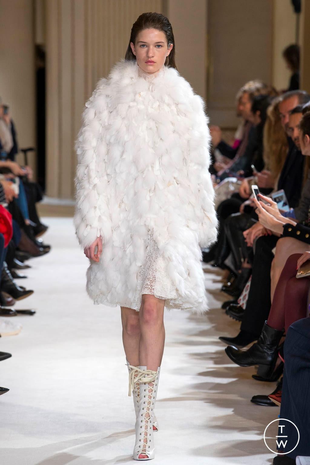 Fashion Week Paris Fall/Winter 2017 look 38 from the Giambattista Valli collection womenswear