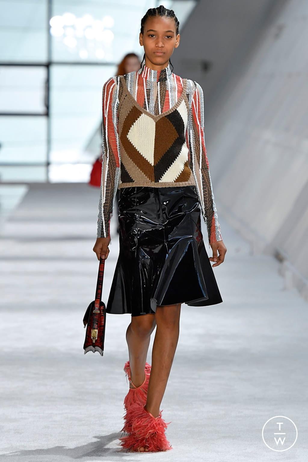 Fashion Week Paris Fall/Winter 2019 look 34 from the Giambattista Valli collection womenswear