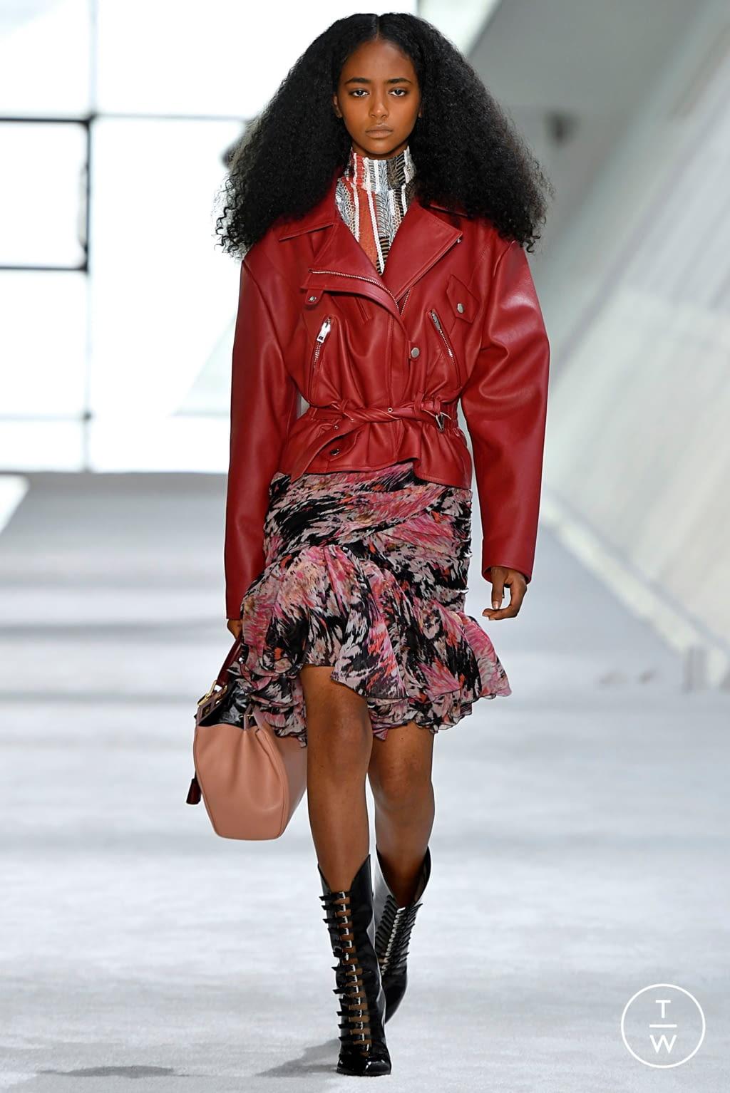 Fashion Week Paris Fall/Winter 2019 look 45 from the Giambattista Valli collection womenswear