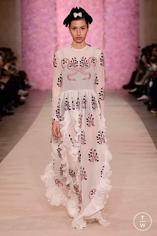 Fashion Week Paris Fall/Winter 2020 look 45 from the Giambattista Valli collection womenswear