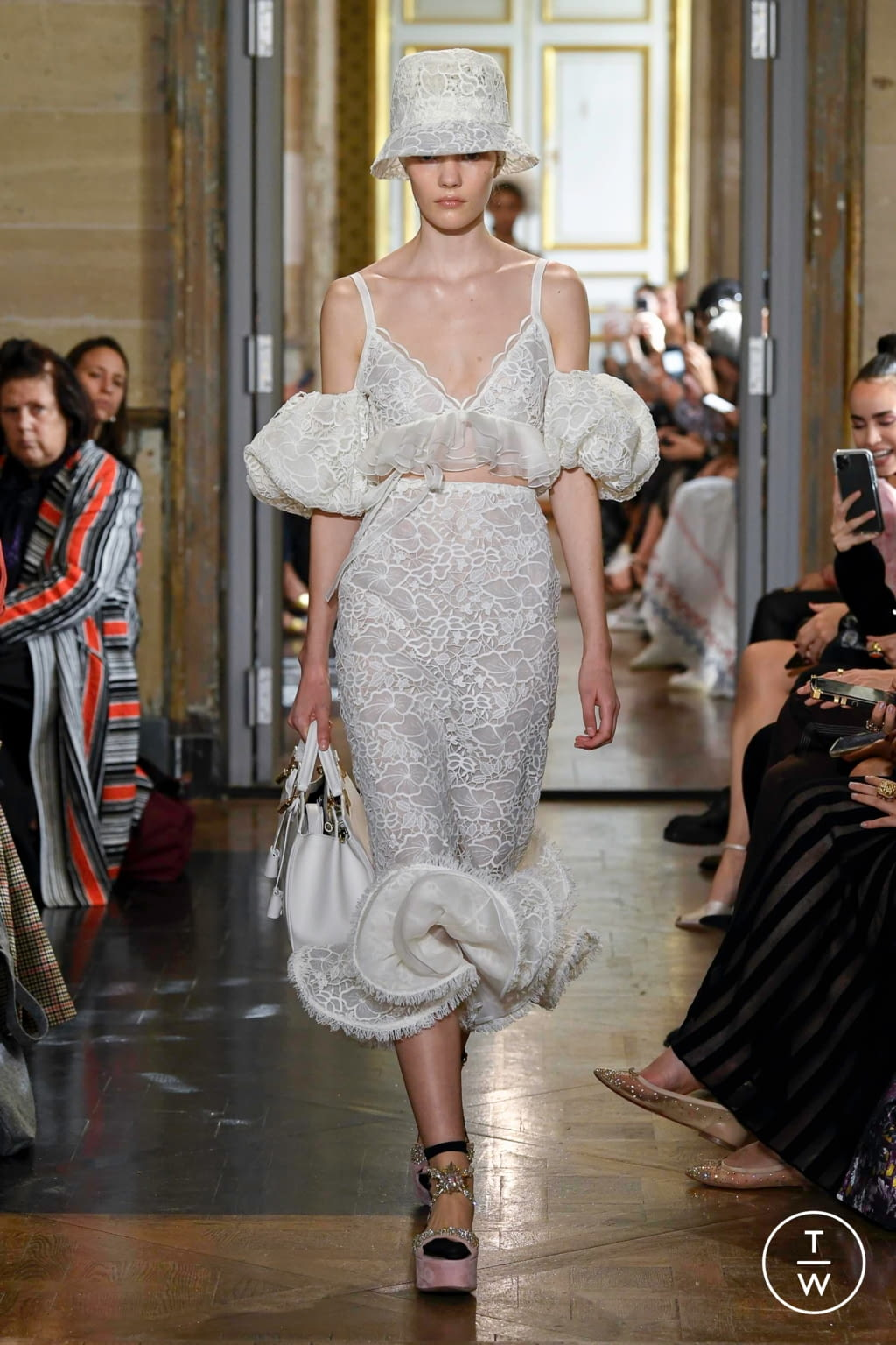 Fashion Week Paris Spring/Summer 2020 look 5 from the Giambattista Valli collection 女装