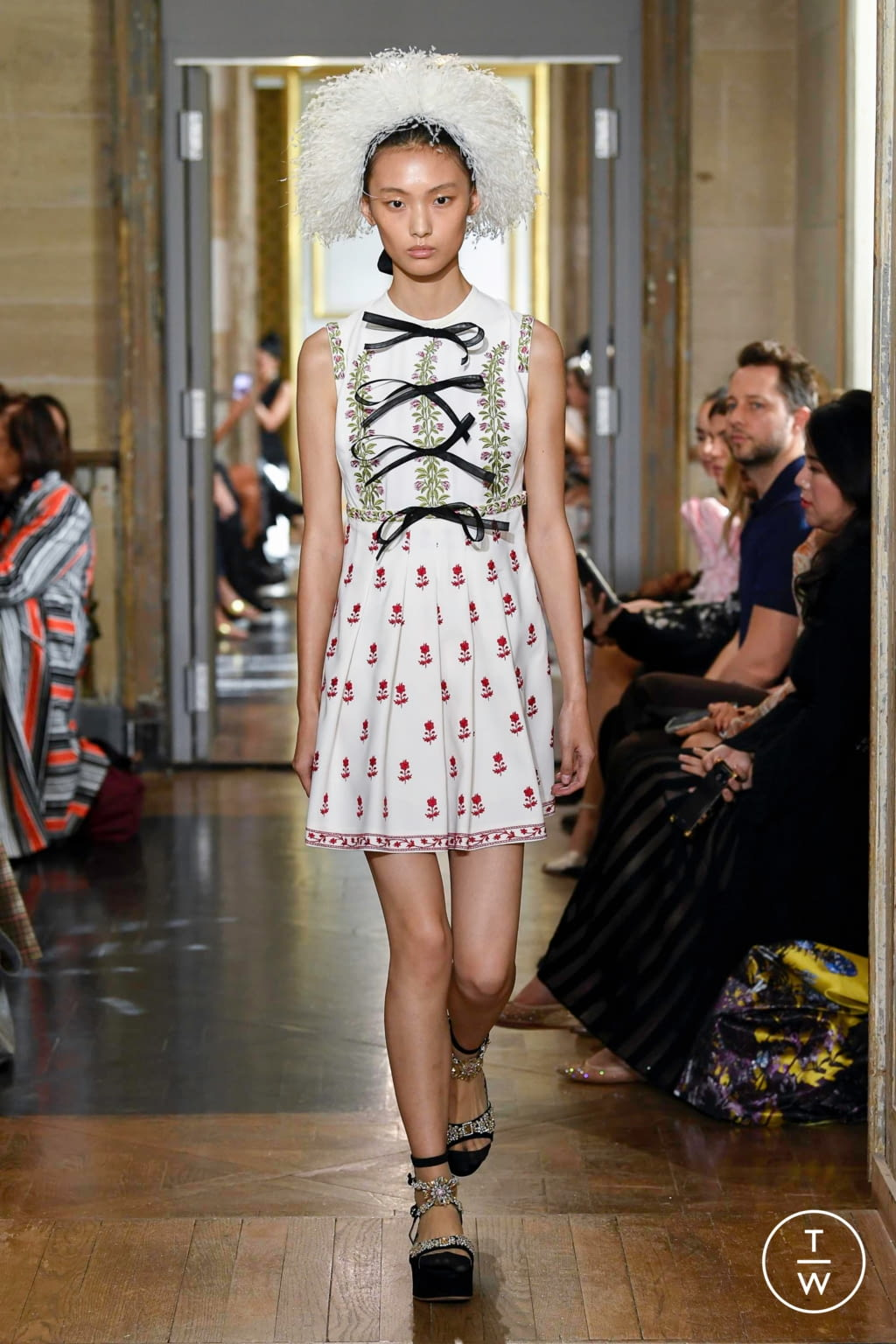 Fashion Week Paris Spring/Summer 2020 look 7 from the Giambattista Valli collection womenswear