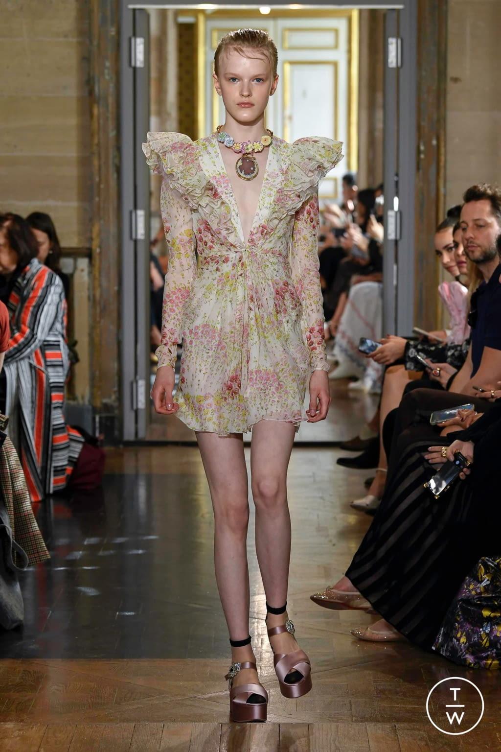 Fashion Week Paris Spring/Summer 2020 look 19 from the Giambattista Valli collection womenswear