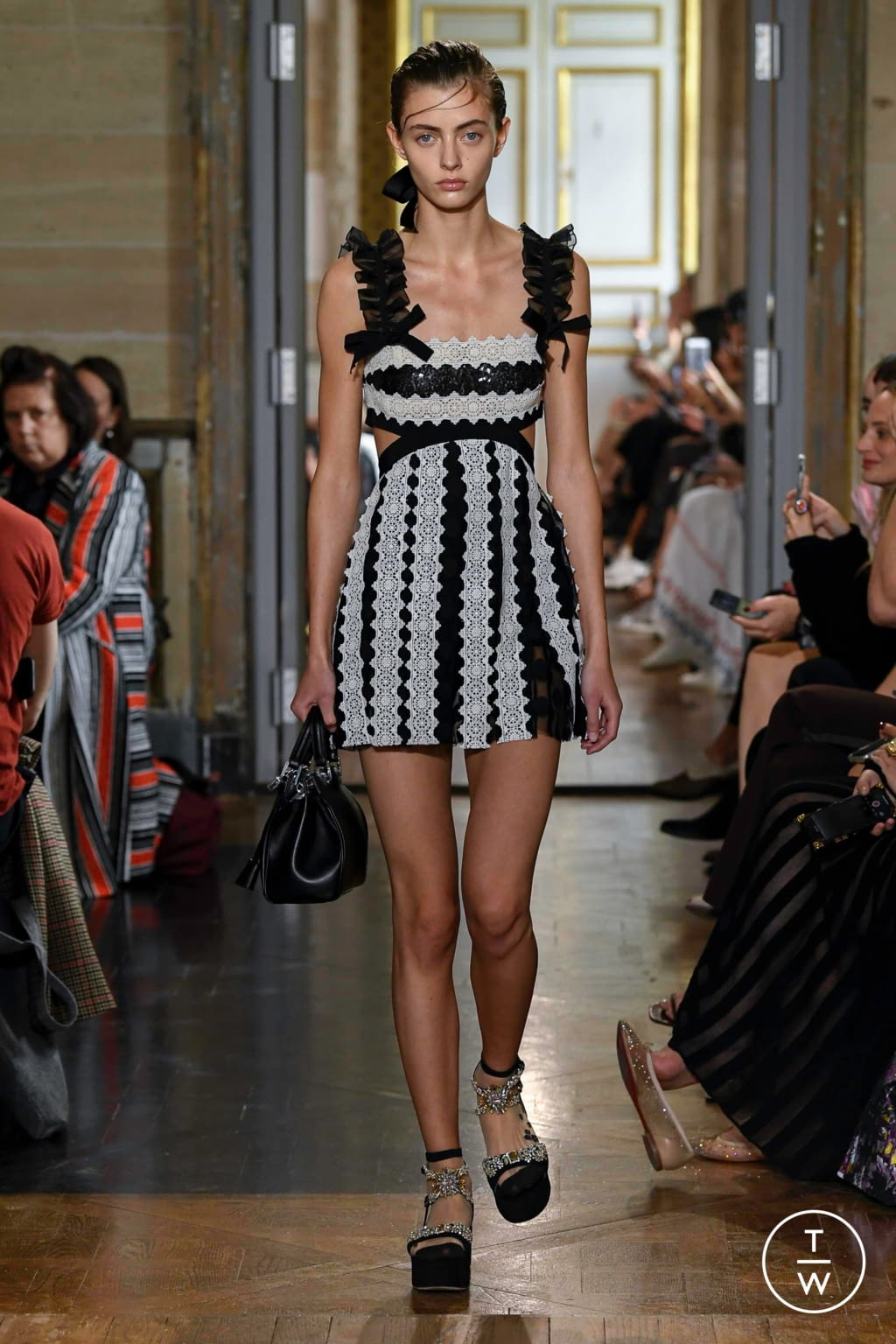 Fashion Week Paris Spring/Summer 2020 look 31 from the Giambattista Valli collection womenswear