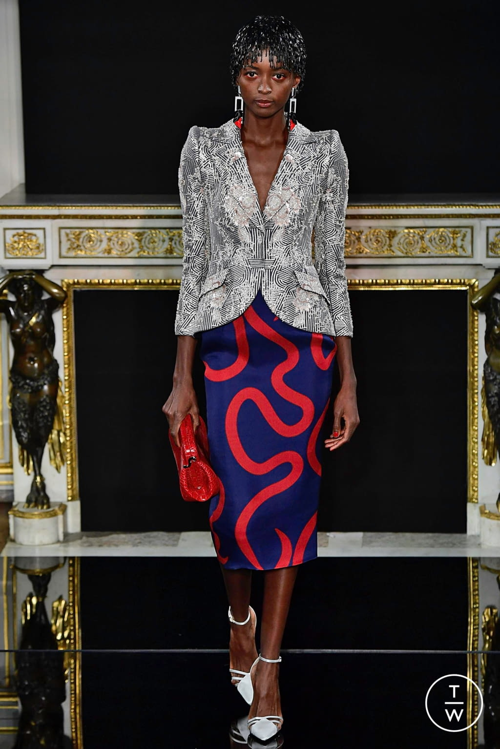 Fashion Week Paris Spring/Summer 2019 look 4 from the Giorgio Armani Privé collection 高级定制