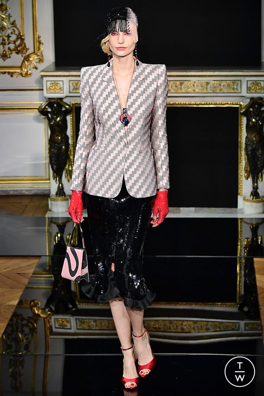 Fashion Week Paris Spring/Summer 2019 look 5 from the Giorgio Armani Privé collection couture