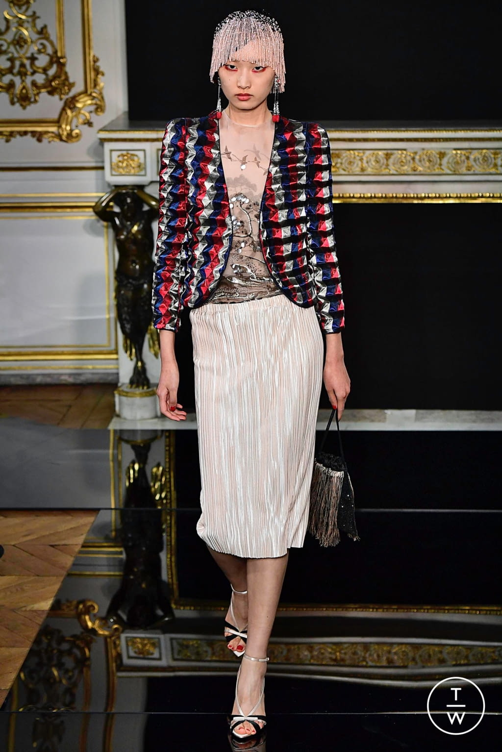 Fashion Week Paris Spring/Summer 2019 look 6 from the Giorgio Armani Privé collection couture