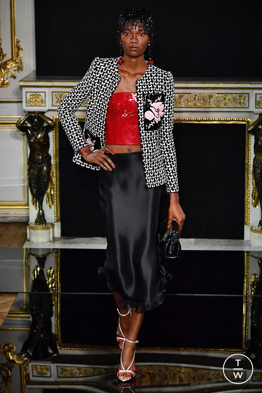 Fashion Week Paris Spring/Summer 2019 look 9 from the Giorgio Armani Privé collection couture