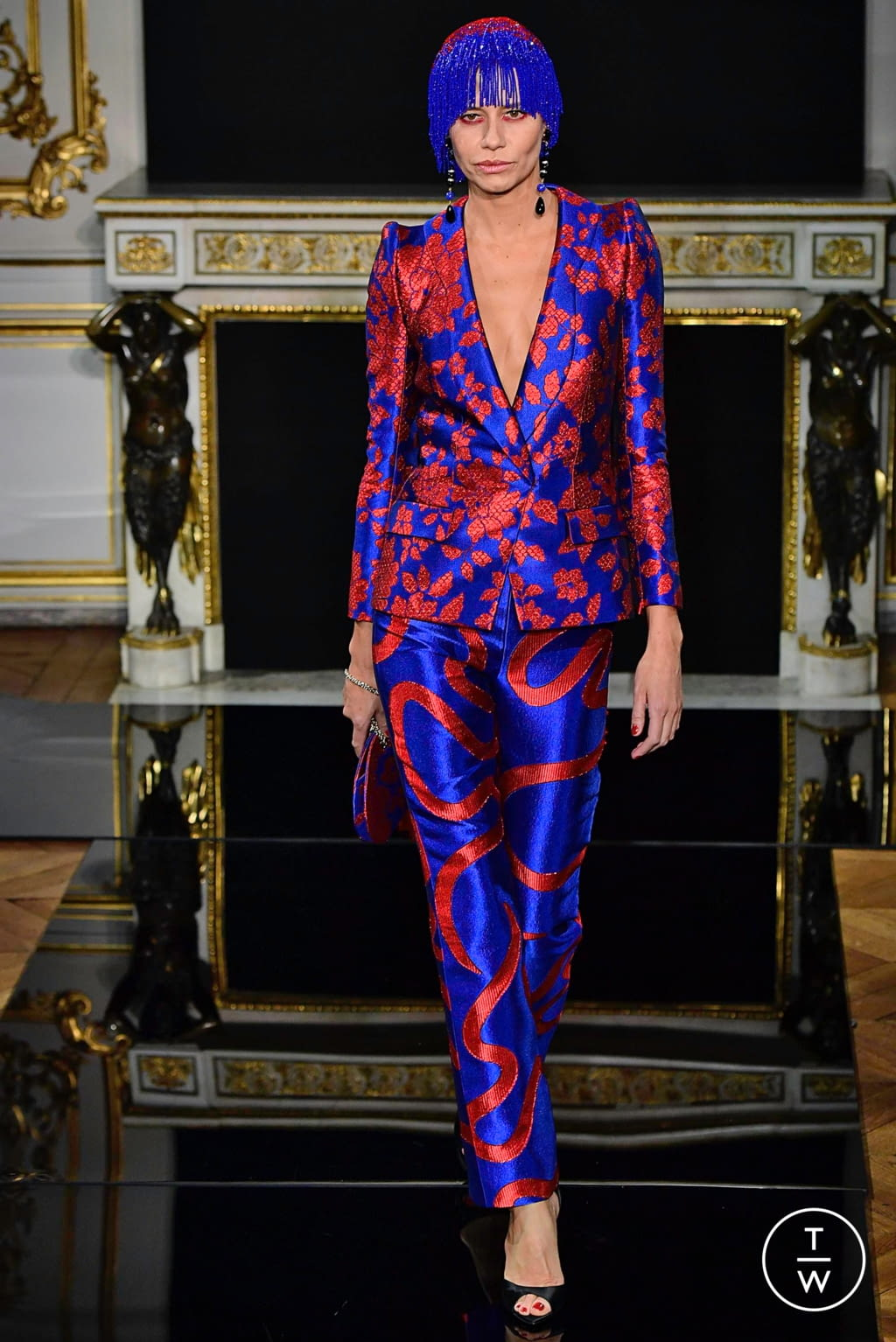 Fashion Week Paris Spring/Summer 2019 look 17 from the Giorgio Armani Privé collection couture