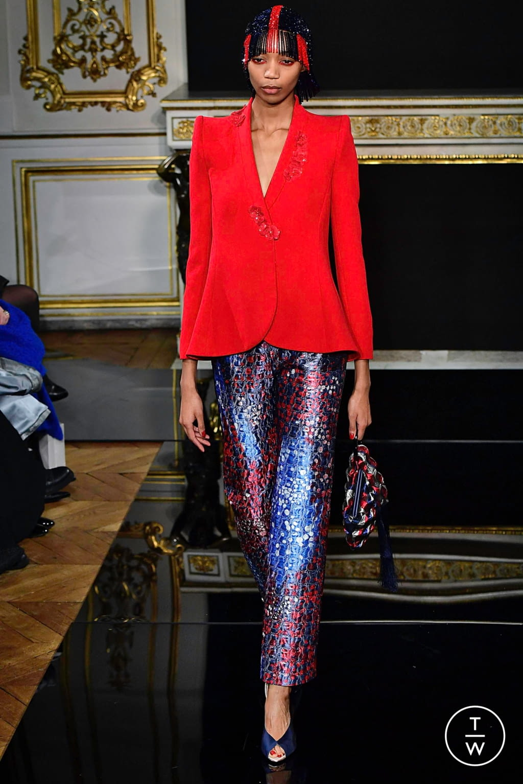 Fashion Week Paris Spring/Summer 2019 look 26 from the Giorgio Armani Privé collection couture