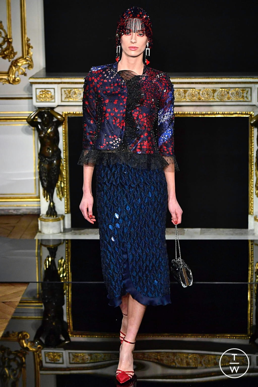 Fashion Week Paris Spring/Summer 2019 look 27 from the Giorgio Armani Privé collection couture