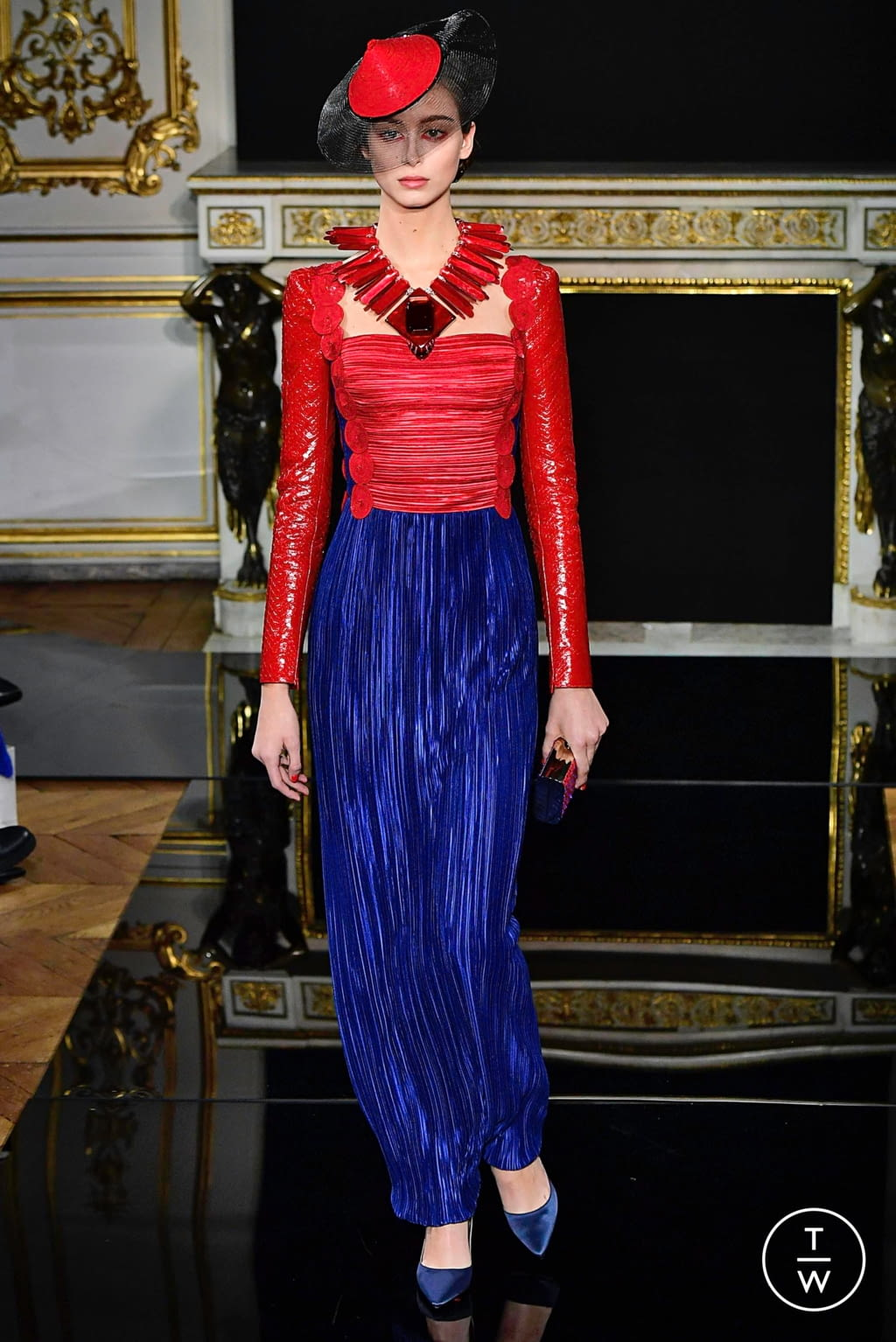 Fashion Week Paris Spring/Summer 2019 look 31 from the Giorgio Armani Privé collection couture