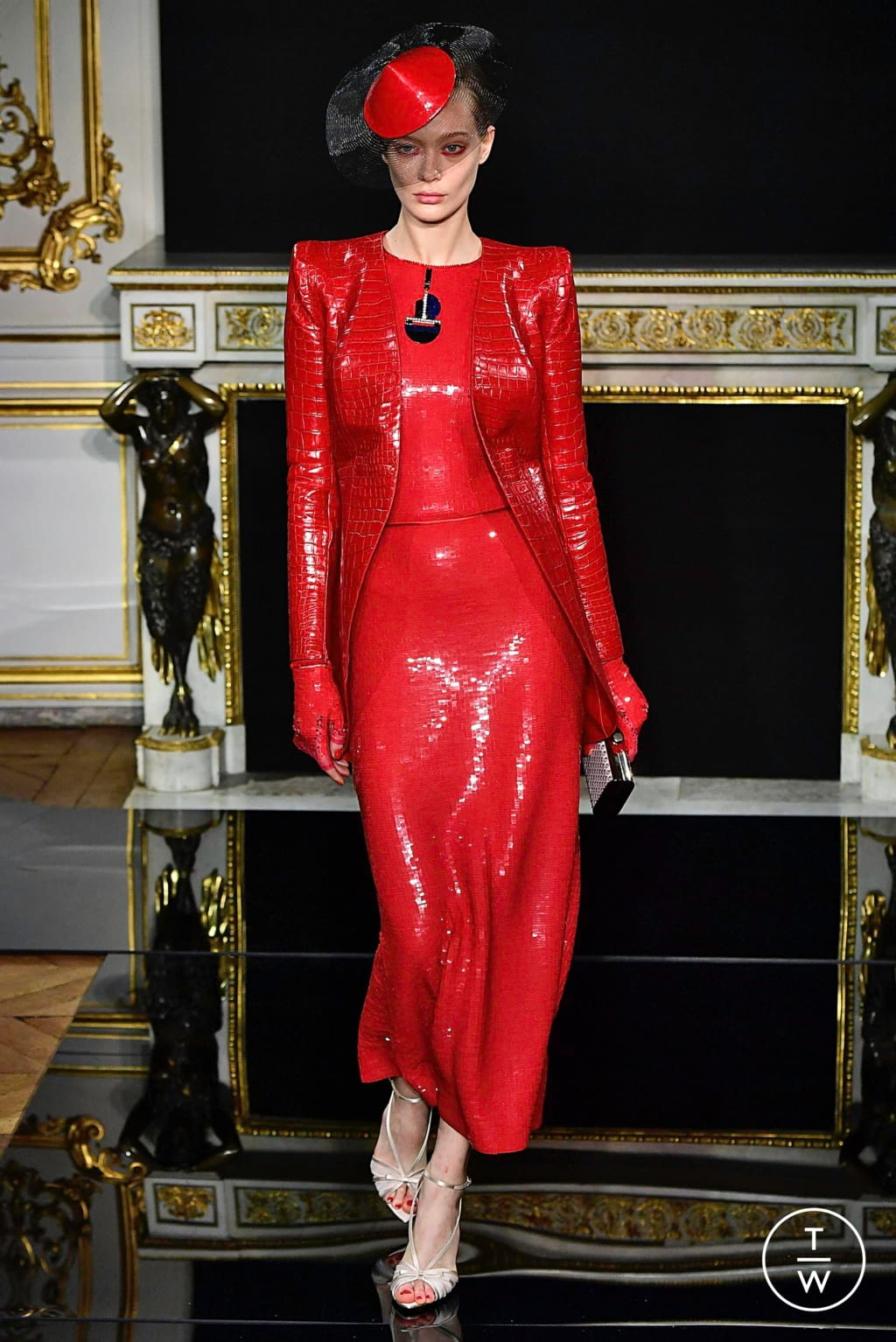 Fashion Week Paris Spring/Summer 2019 look 33 from the Giorgio Armani Privé collection couture