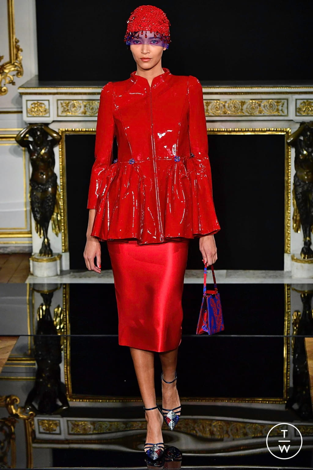 Fashion Week Paris Spring/Summer 2019 look 34 from the Giorgio Armani Privé collection couture