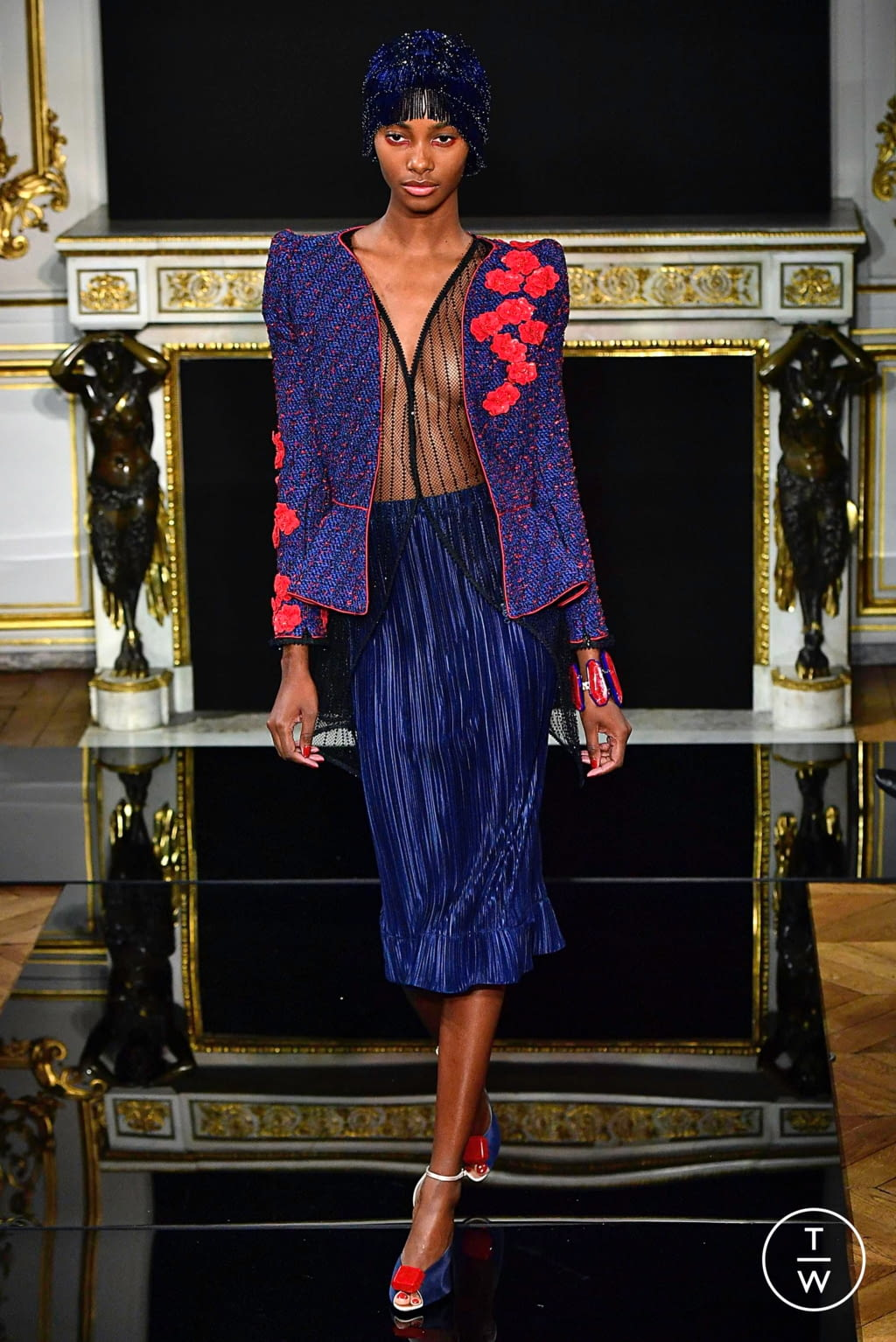 Fashion Week Paris Spring/Summer 2019 look 40 from the Giorgio Armani Privé collection couture