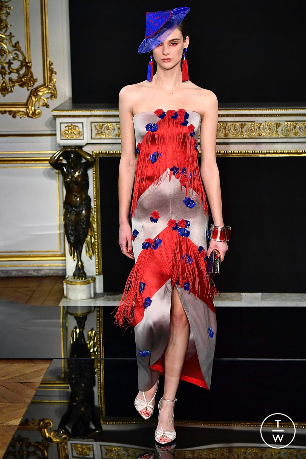 Fashion Week Paris Spring/Summer 2019 look 46 from the Giorgio Armani Privé collection couture