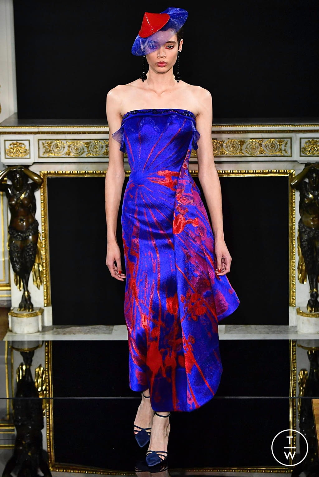 Fashion Week Paris Spring/Summer 2019 look 50 from the Giorgio Armani Privé collection couture
