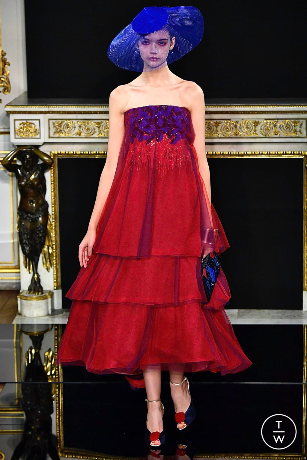 Fashion Week Paris Spring/Summer 2019 look 51 from the Giorgio Armani Privé collection couture