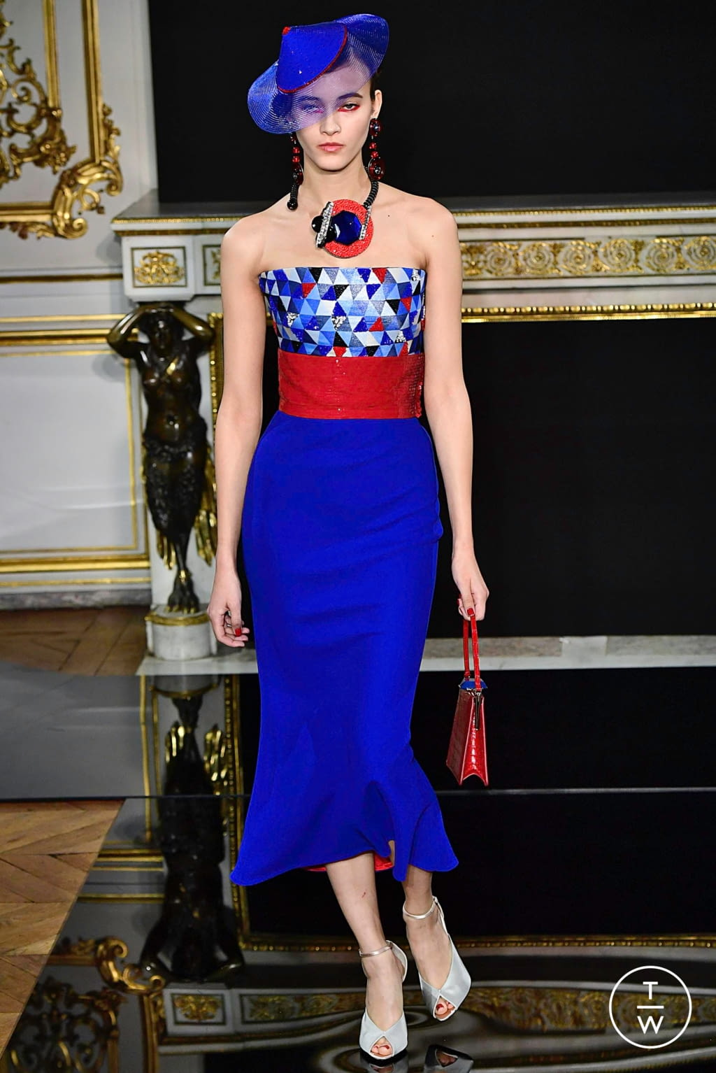 Fashion Week Paris Spring/Summer 2019 look 56 from the Giorgio Armani Privé collection 高级定制