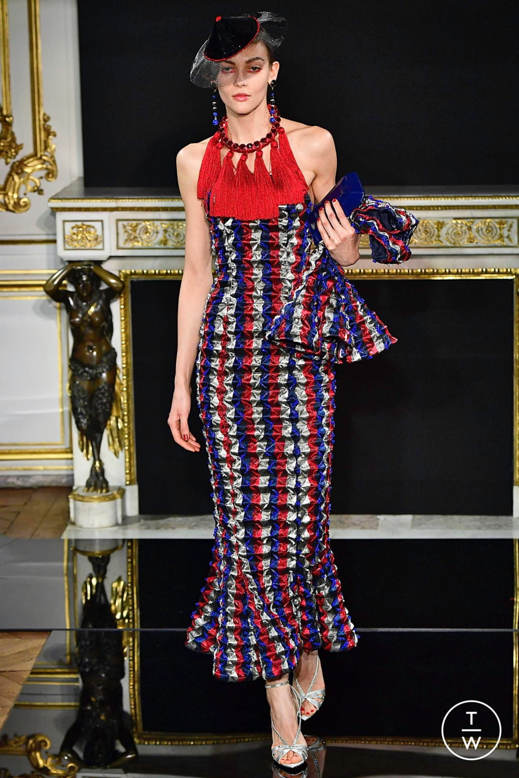 Fashion Week Paris Spring/Summer 2019 look 60 from the Giorgio Armani Privé collection couture