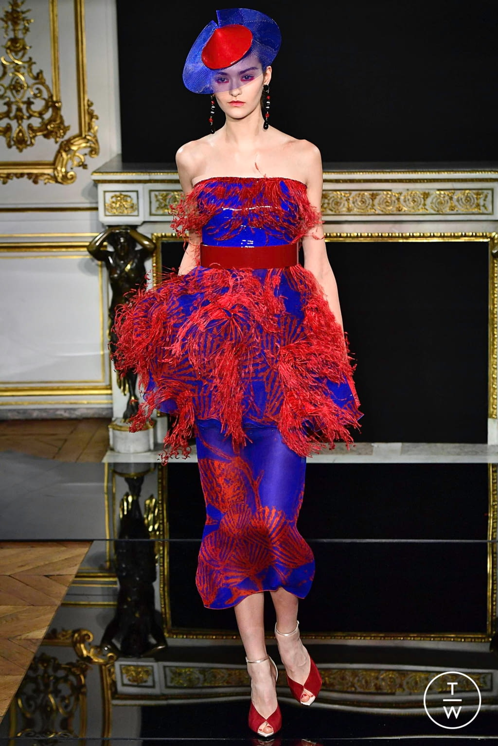 Fashion Week Paris Spring/Summer 2019 look 62 from the Giorgio Armani Privé collection couture