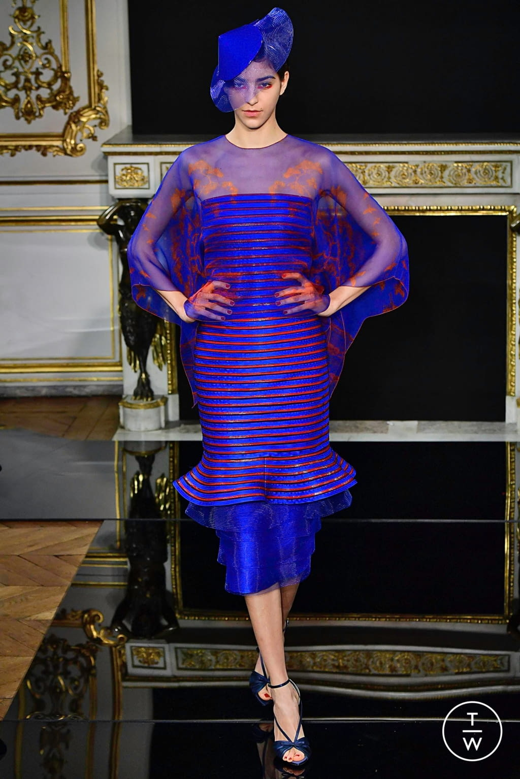 Fashion Week Paris Spring/Summer 2019 look 72 from the Giorgio Armani Privé collection couture