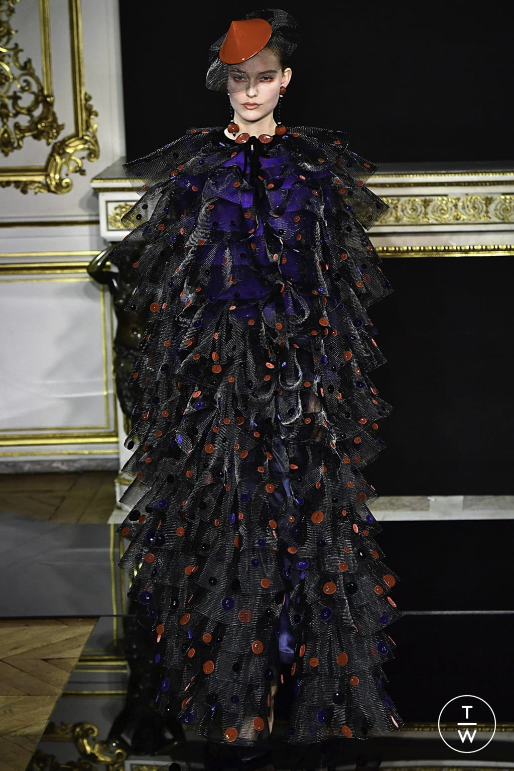Fashion Week Paris Spring/Summer 2019 look 75 from the Giorgio Armani Privé collection 高级定制