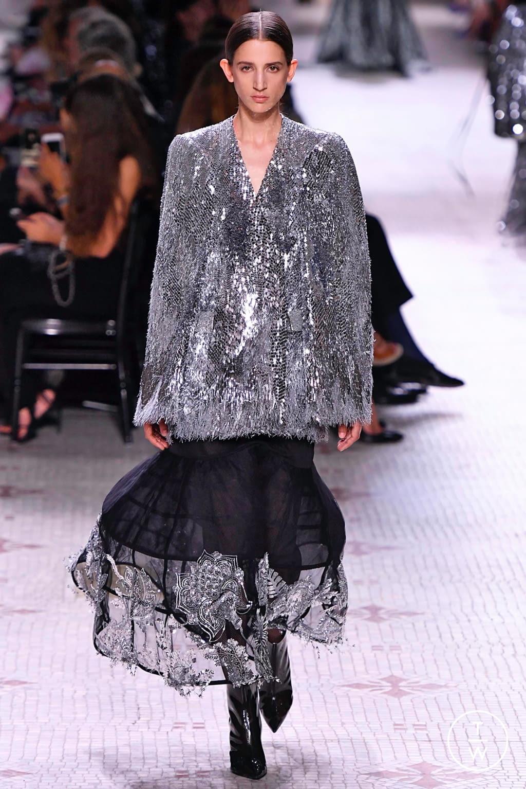 Fashion Week Paris Fall/Winter 2019 look 27 de la collection Givenchy couture