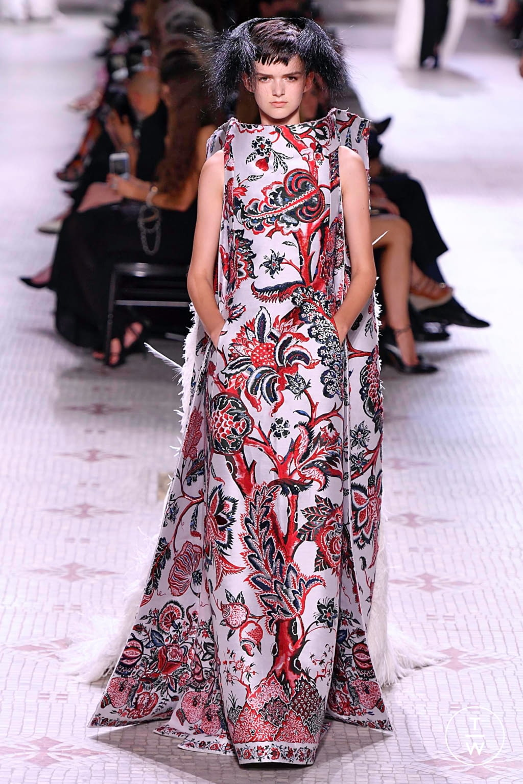 Fashion Week Paris Fall/Winter 2019 look 45 de la collection Givenchy couture