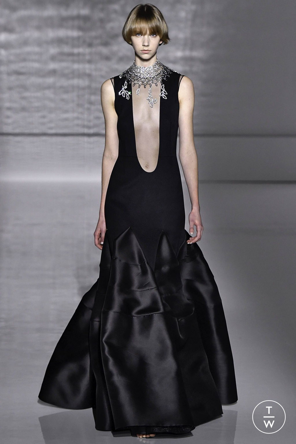 Givenchy S/S20 couture 20   The Fashion Search Engine   TAGWALK