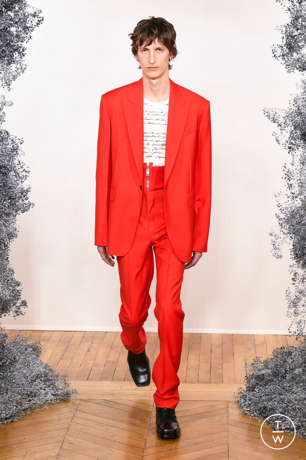 Fashion Week Paris Fall/Winter 2020 look 15 from the Givenchy collection 男装