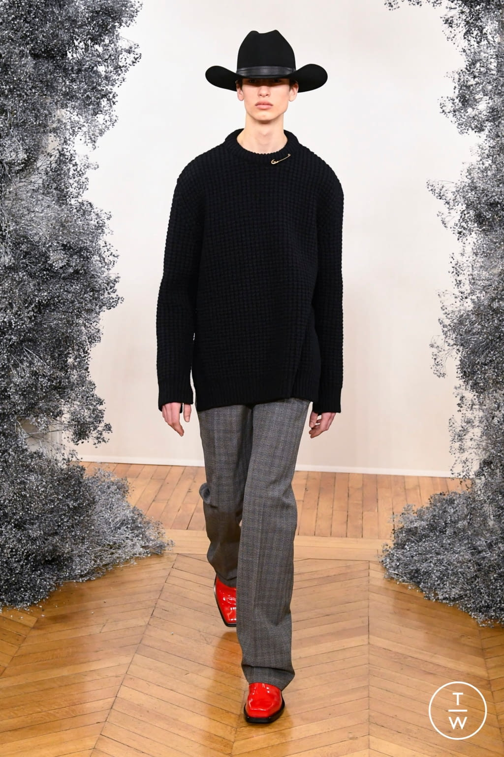 Fashion Week Paris Fall/Winter 2020 look 18 from the Givenchy collection 男装